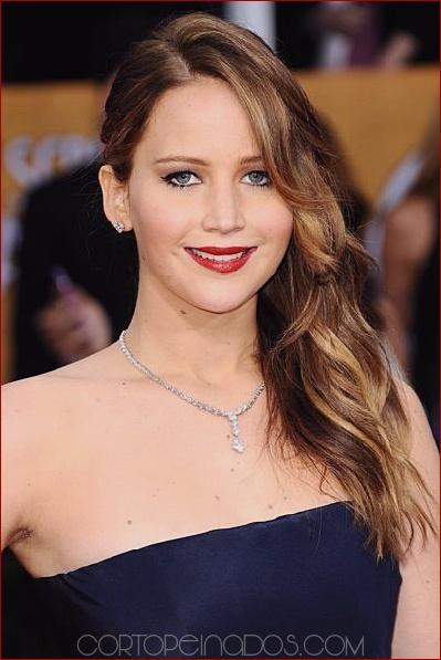 Los 25 peinados de barrido lateral más elegantes para mujeres