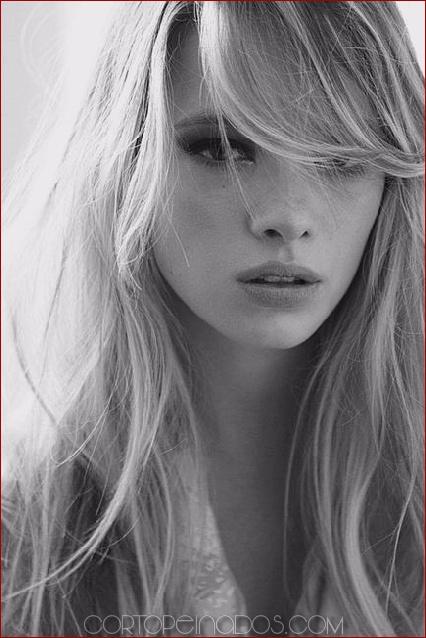 26 cortes de pelo de aspecto más glamoroso con flequillo lateral