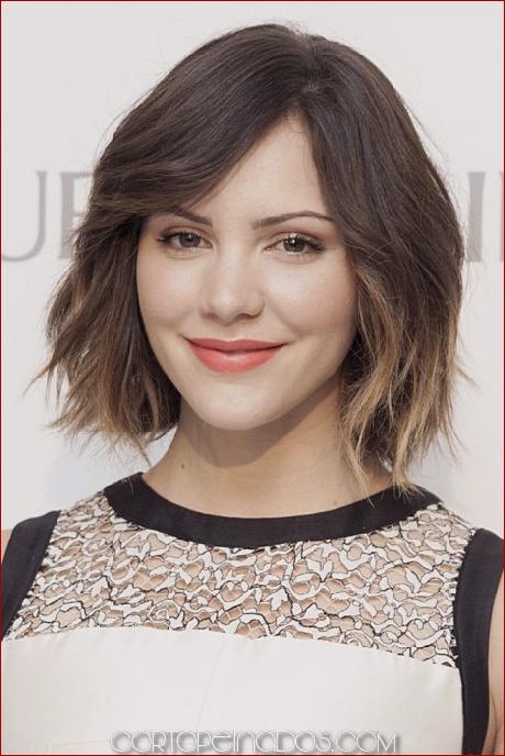 Los 30 mejores peinados cortos para caras redondas 2019