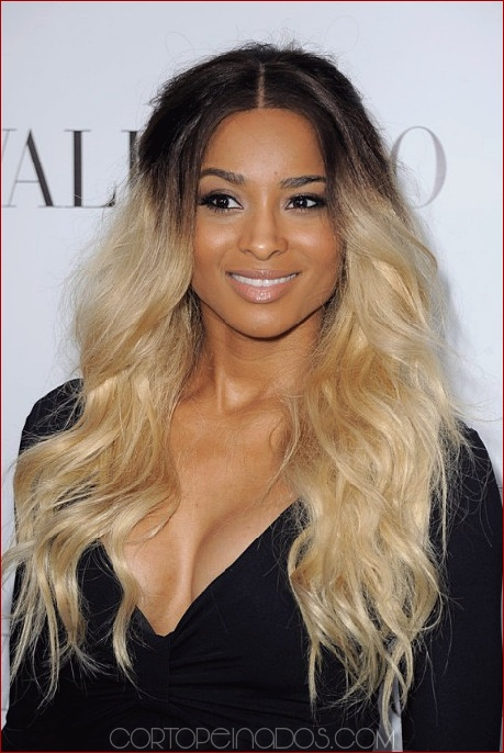Los 25 peinados largos más atractivos para mujeres