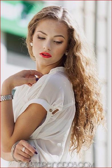 Los 30 cortes de pelo más favorecedores para el cabello largo y ondulado