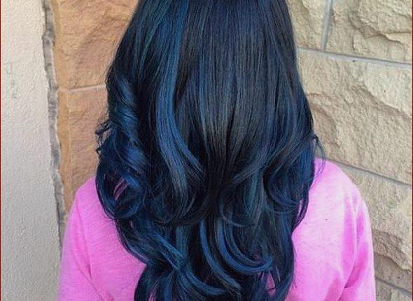 Cabello azul puntas