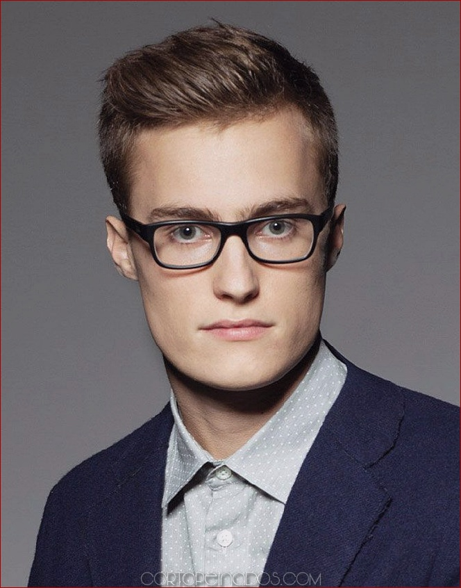 4b761e60a0 22 peinados de hombres con gafas para lucir frescos y elegantes ...