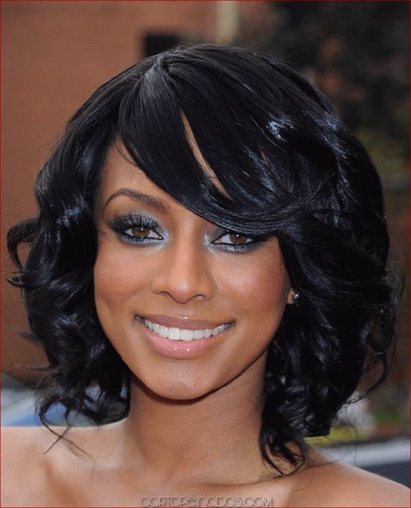 Lindo y sin esfuerzo peinados de negros Imagen de ideas de color de pelo - 15 peinados negros para cabello de longitud media ...