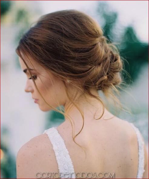 30 encantadoras y deslumbrantes prom updos para mujer