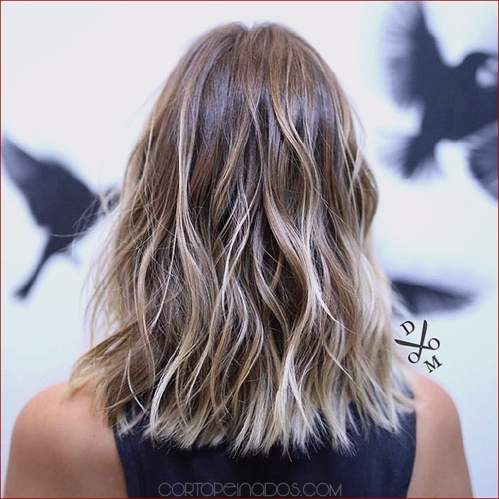 35 preciosos estilos para obtener ondas de playa en tu cabello